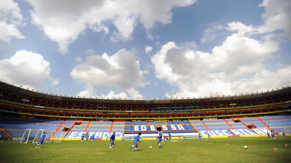 The players of El Salvador's national fo | JOSE CABEZAS/Getty Images