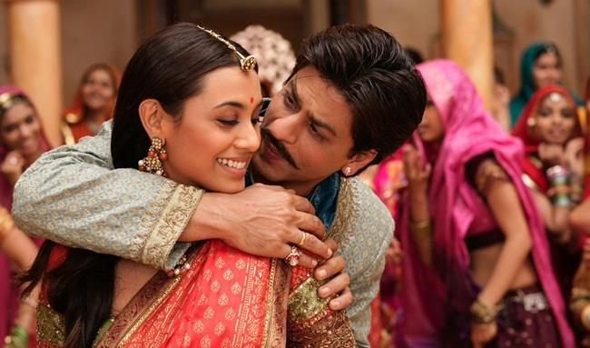 Rani Mukherji and Shah Rukh Khan in 'Paheli'
