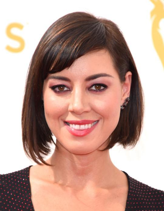 <p>Plaza went for a short and sweet look with sideswept bangs and a classic bob. <i>(Photo: Getty Images)</i></p>