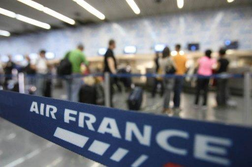 Air France-KLM says will cut spending, hike profitability