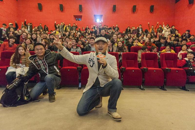 Low-cost Chinese comedy sets new box-office record
