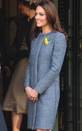 Cut Price Kate Strikes Again - The Duchess of Cambridge Shops At Bicester  Village 2059ef084