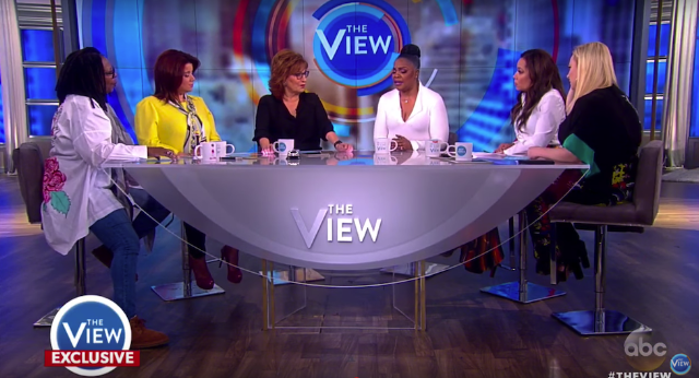 Mo'Nique Goes Head-To-Head With Cast Of 'The View'