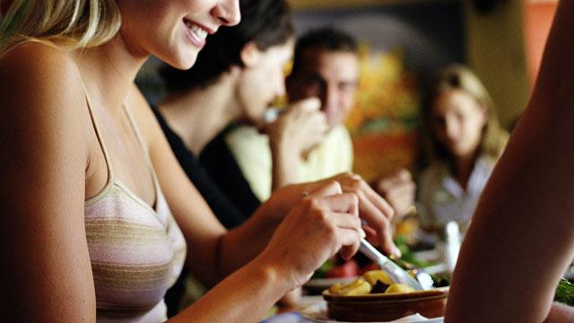 Gender of Eating Companions Influences How Much People Eat, Says Study