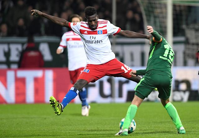 Soccer Football - Bundesliga - Werder Bremen vs Hamburger SV - Weser-Stadion, Bremen, Germany - February 24, 2018 Hamburg's Bakery Jatta in action with Werder Bremen's Zlatko Junuzovic REUTERS/Fabian Bimmer DFL RULES TO LIMIT THE ONLINE USAGE DURING MATCH TIME TO 15 PICTURES PER GAME. IMAGE SEQUENCES TO SIMULATE VIDEO IS NOT ALLOWED AT ANY TIME. FOR FURTHER QUERIES PLEASE CONTACT DFL DIRECTLY AT + 49 69 650050