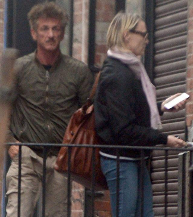 Sean Penn and Robin Wright were spotted together at a New York City apartment. (Photo: Elder Ordonez/Splash News)