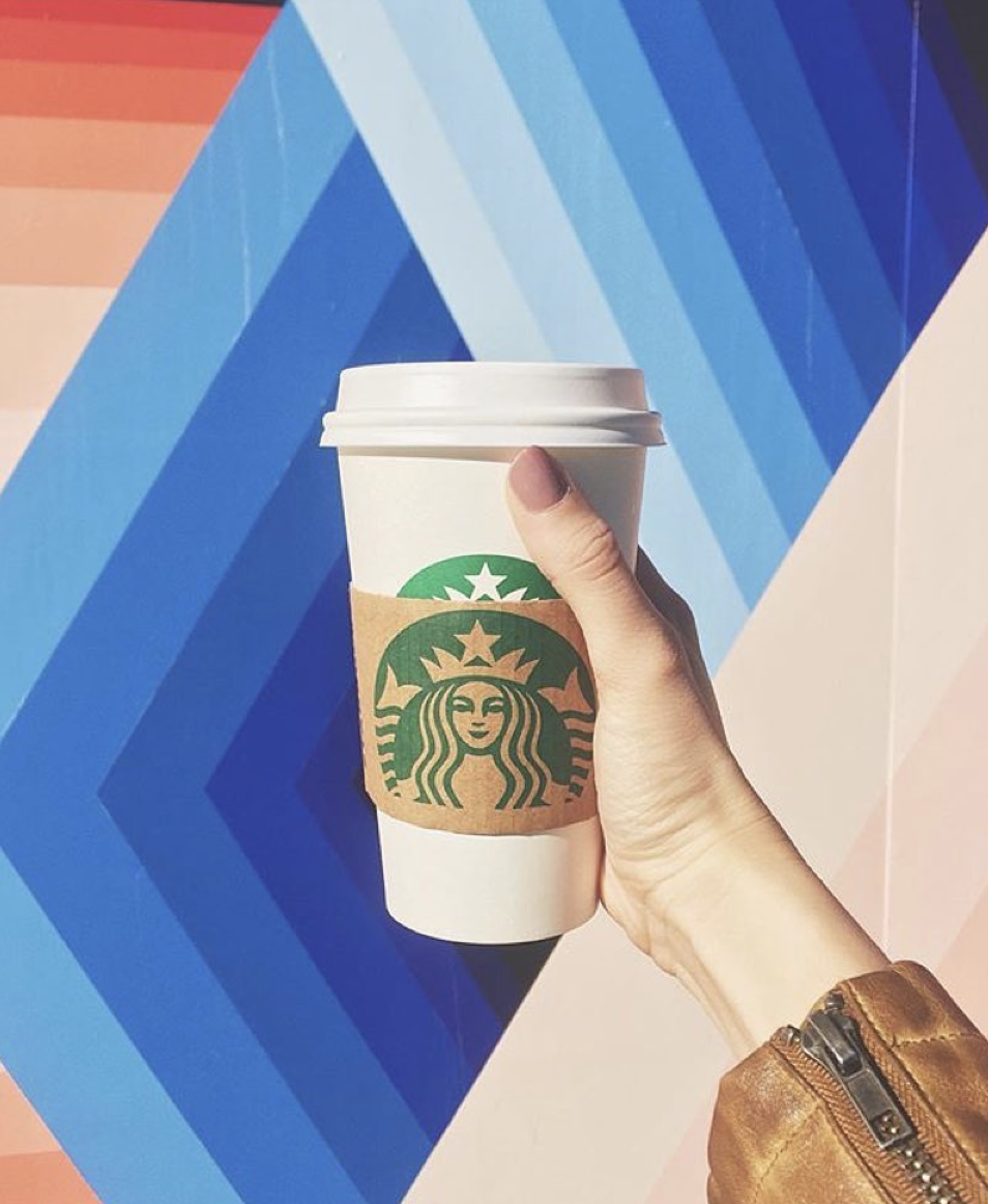 <p>Here's the thing—the London Fog is a super Canadian drink. And as you know, Canada never disappoints. This coffee-alternative is made with Earl Grey tea so you'll still get the foaminess of a latte, without being buzzed on a super high dosage of caffeine.</p>