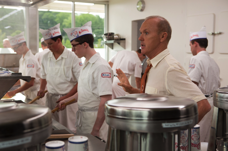 Ray Kroc (Michael Keaton) oversees production in