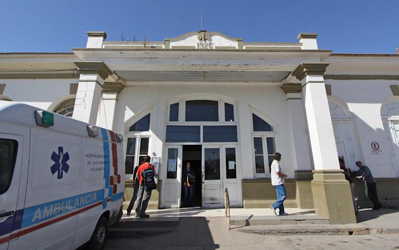 The Pasteur Hospital of Villa Maria, where the nephew of Pope Francis was admitted after crashing with his family on a road near James Craik, in the Argentine central province of Cordoba, on August 19, 2014 (AFP Photo/Marcelo Caceres)