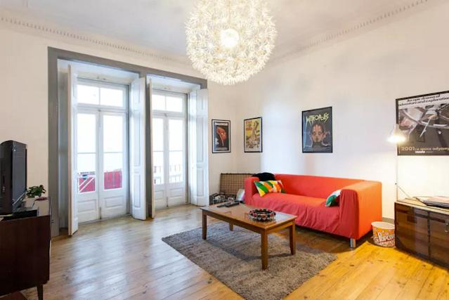 <p>There's also a shared living room. The apartment also has four other rooms listed on Airbnb. </p>