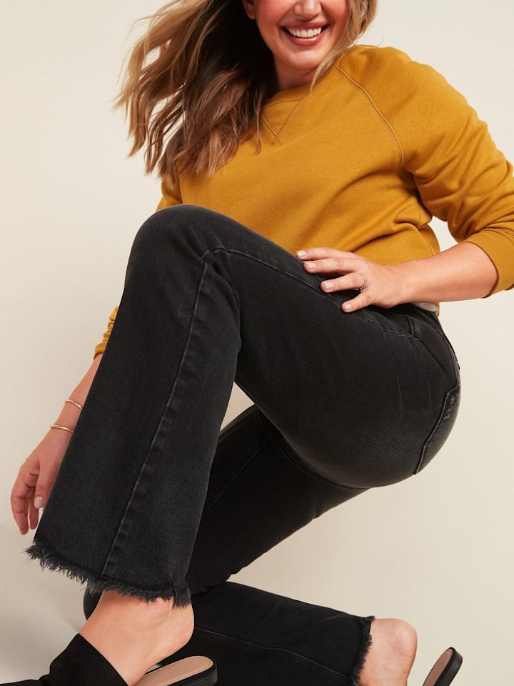 "<p>""Usually if I spend a day sitting in jeans they end up digging into my skin. After an entire workday sitting at my laptop, these <product href=""https://oldnavy.gap.com/browse/product.do?pid=610185#pdp-page-content"" target=""_blank"" class=""ga-track"" data-ga-category=""internal click"" data-ga-label=""https://oldnavy.gap.com/browse/product.do?pid=610185#pdp-page-content"" data-ga-action=""body text link"">Old Navy High-Waisted Flare Black Cut-Off Ankle Jeans</product> ($20, originally $40) not only held up their shape, but there were no marks on my hips from them. Zero."" - Rebecca Brown, senior contributing editor</p>"