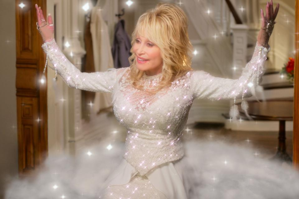 Just when you thought Dolly Parton couldn't out-camp herself... (Photo: Netflix)