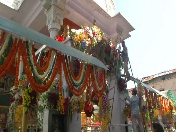 Visuals of Kangra's Mata Bajreshwari Temple decorated with different types of flowers (Photo/ANI)