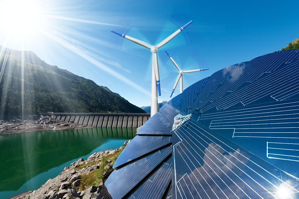 "<span class=""attribution""><a class=""link rapid-noclick-resp"" href=""https://www.shutterstock.com/es/image-photo/renewable-energy-sunlight-solar-panel-wind-570200689"" rel=""nofollow noopener"" target=""_blank"" data-ylk=""slk:Shutterstock / Alberto Masnovo"">Shutterstock / Alberto Masnovo</a></span>"