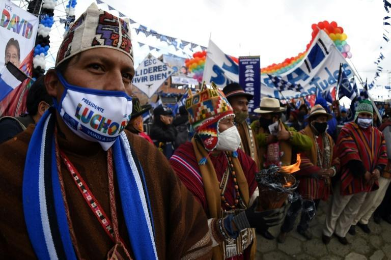 Supporters of presidential candidate Luis Arce at a campaign rally in El Alto, Bolivia in October 2020