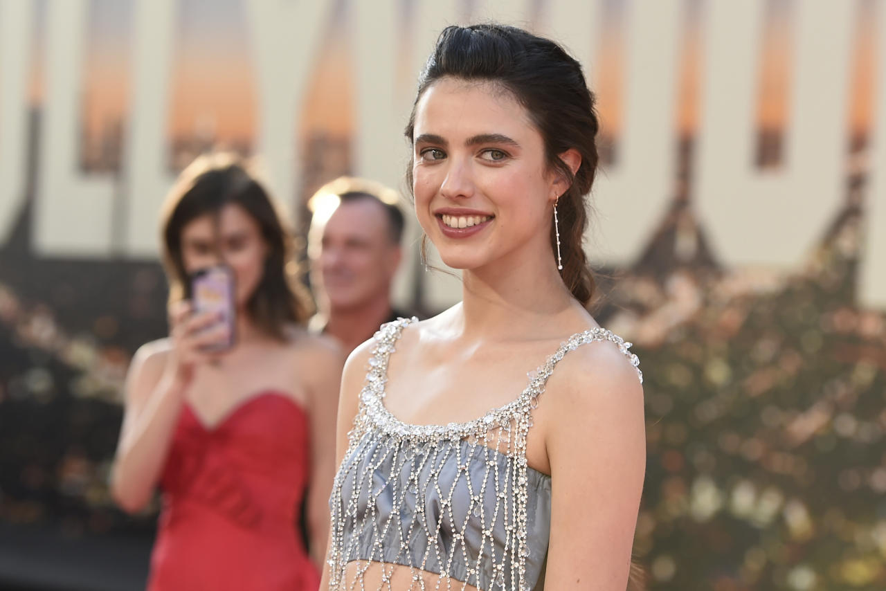 Andie MacDowell, oggi 61 anni, ha avuto dal primo matrimonio con Paul Qualley (1986–1999) tre figli: Justin Qualley, 33 anni, Rainey Qualley, 29 anni, attrice e cantante, e Margaret Qualley, 24 anni. (Photo by Jordan Strauss/Invision/AP)
