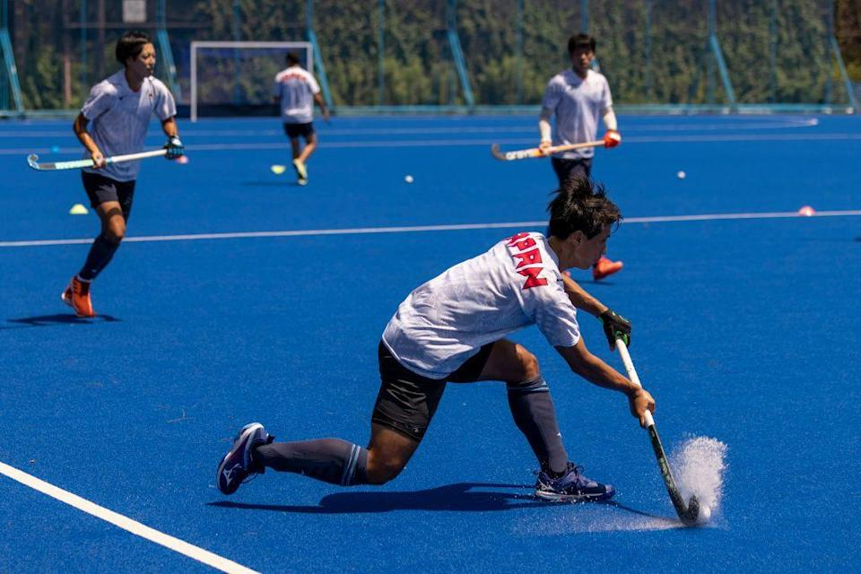 <p>In spirit, field hockey is a little bit like lacrosse—it's the random sport you tried in your freshman year of high school and quit a few weeks later. It looks cool! Just maybe not something you'll stick with. </p>