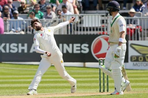Ireland start strong but Faheem and Shadab keep Pakistan in the game