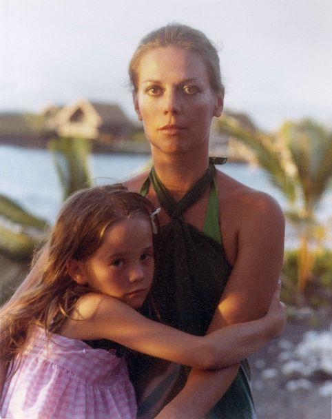 PHOTO: Natalie Wood with her daughter, Natasha Gregson Wagner, in Hawaii, in 1978. (Courtesy of HBO)