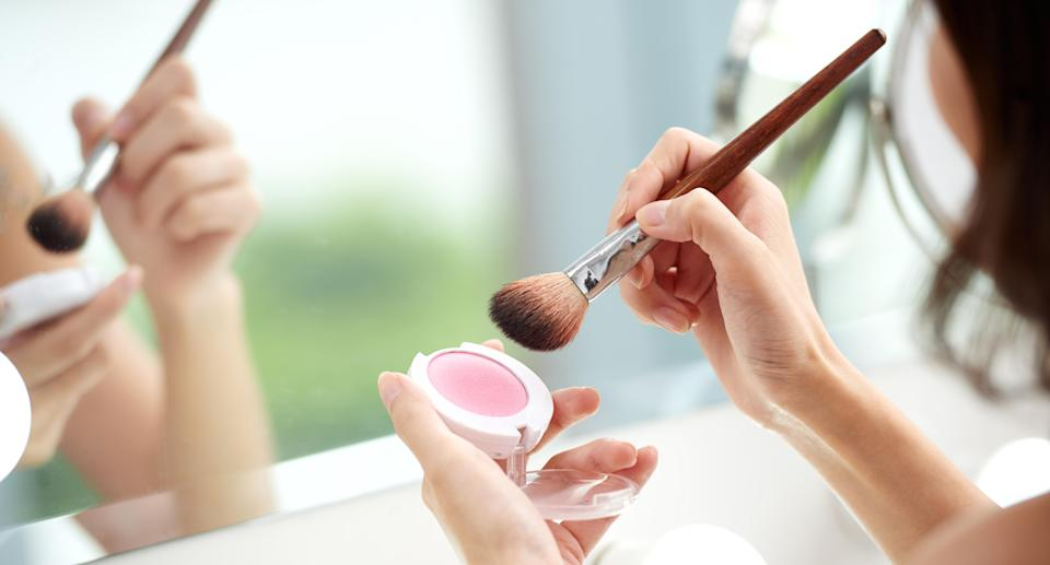 Makeup has some powerful benefits beyond looking pretty. (Photo: Getty Images)