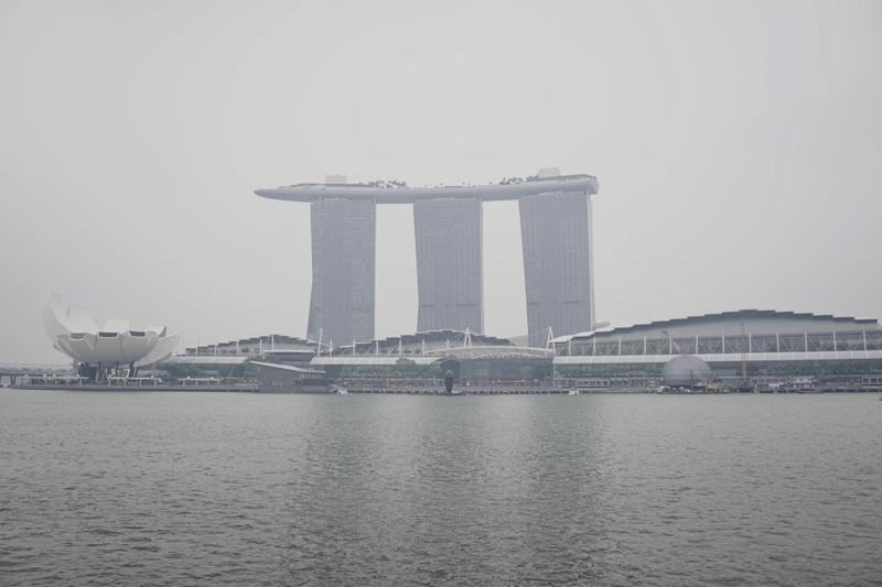 Hazy conditions at Marina Bay in Singapore. (PHOTO: Dhany Osman/Yahoo News Singapore)