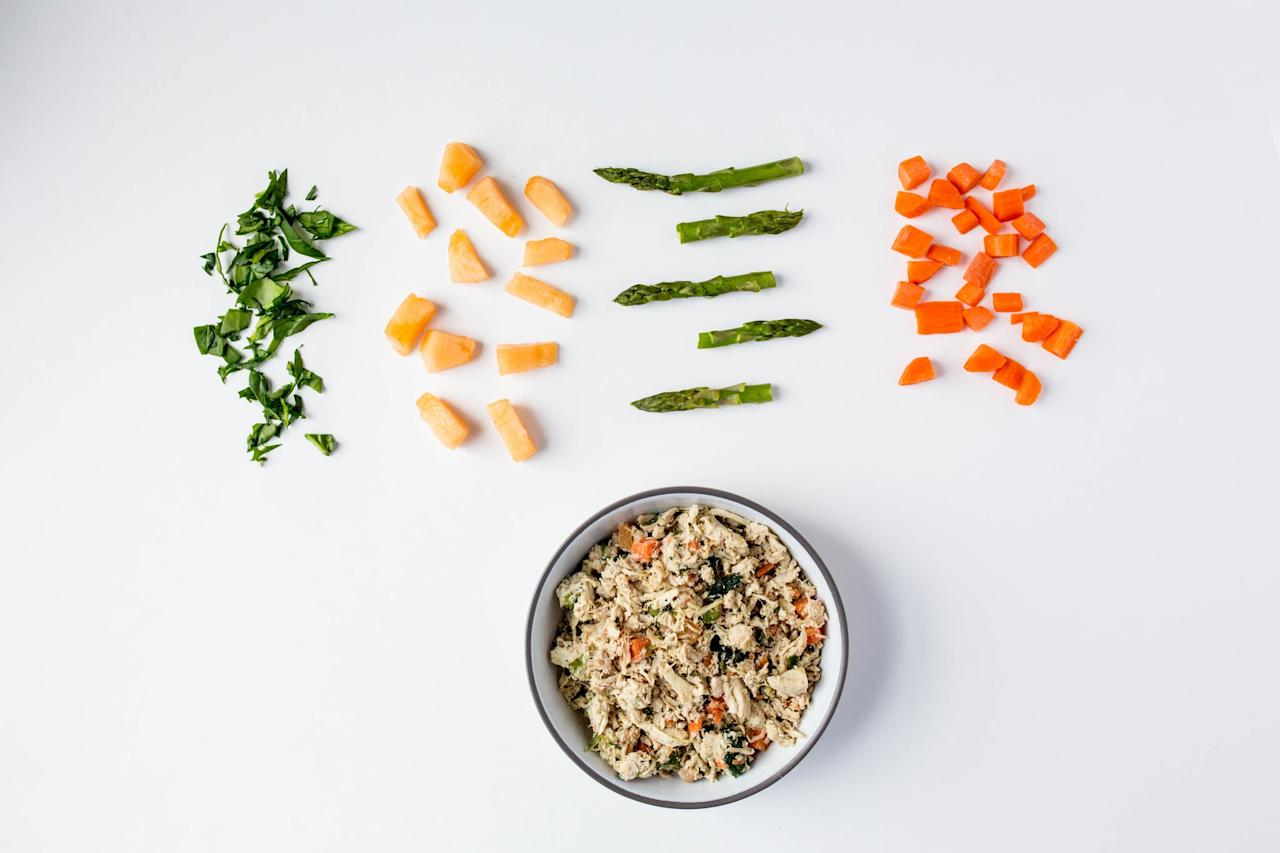 "<p><a rel=""nofollow"" href=""http://www.nomnomnow.com/"">NomNomNow</a> (meal plan prices vary) delivers fresh and healthy premade meals for your dog or cat right to your door. Both delicious and nutritious, this convenient pet food subscription is a total time saver. No more running to the store at odd hours when food runs out. </p>"