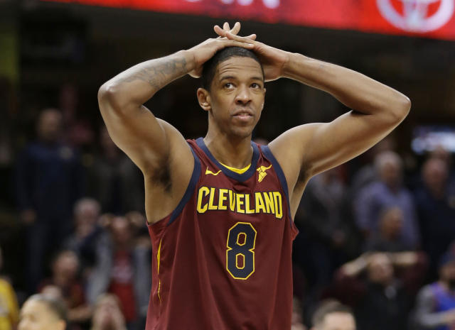 Channing Frye missed his chance to hand the Hawks a loss. (AP)