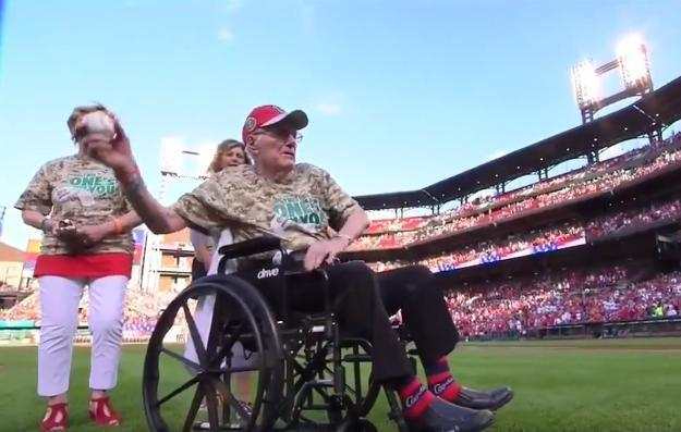 Veteran Cpl. Clarence Adelhardt threw out a memorable first pitch at Busch Stadium with 45 relatives in attendance. (Fox Sports Midwest)