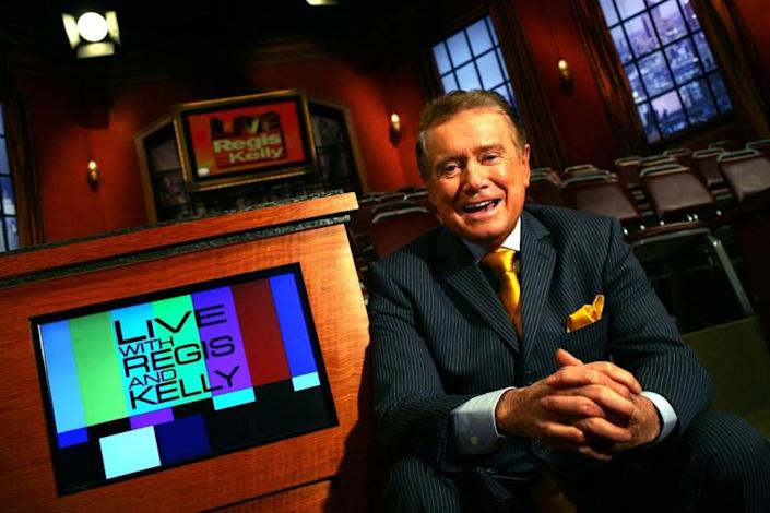 "Regis Philbin at his studio in New York in 2007. <span class=""copyright"">(Carolyn Cole / Los Angeles Times)</span>"