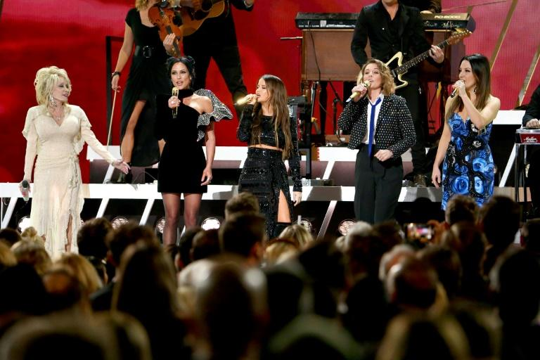 (L-R) Dolly Parton plus Amanda Shires, Maren Morris, Brandi Carlile and Natalie Hemby of The Highwomen perform onstage during the 53rd annual CMA Awards, which paid tribute to the genre's women