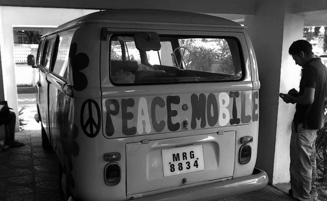 1.	A Mumbai based family painted their vintage car with the message of peace to spread joy in the city. They figured if they're car is going to get attention; it may as well spread happiness!
