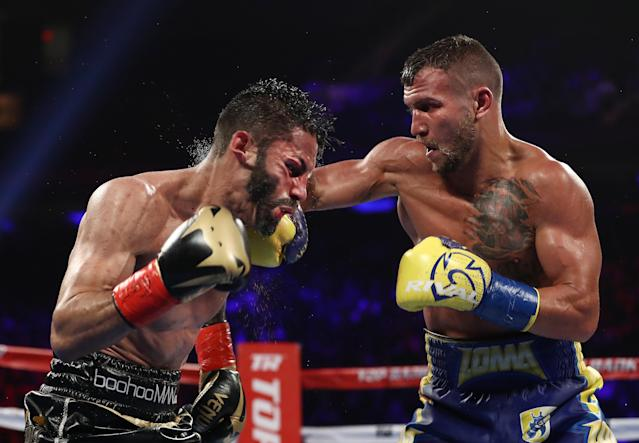Vasiliy Lomachenko Jorge Linares during their WBA lightweight title fight at Madison Square Garden on May 12, 2018 in New York City. (Getty)