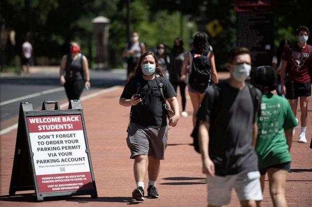 PHOTO: Students walk on campus at the University of South Carolina in Columbia, S.C., Sept. 3, 2020. (Sean Rayford/Getty Images)