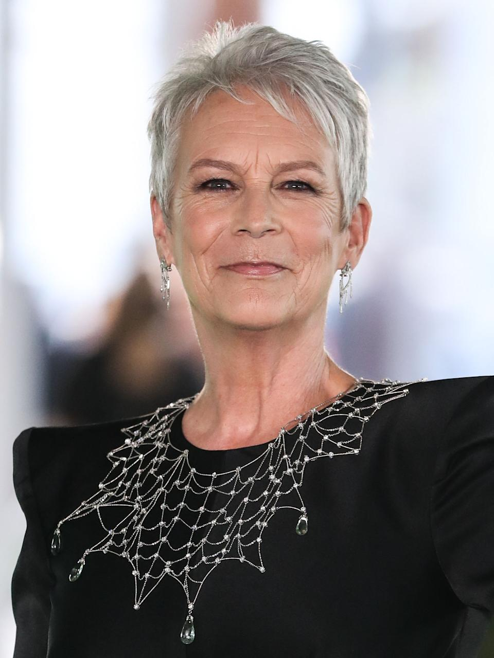 LOS ANGELES, CALIFORNIA, USA - SEPTEMBER 25: Actress Jamie Lee Curtis wearing a dress by Alex Perry arrives at the Academy Museum of Motion Pictures Opening Gala held at the Academy Museum of Motion Pictures on September 25, 2021 in Los Angeles, California, United States. (Photo by Xavier Collin/Image Press Agency/Sipa USA)