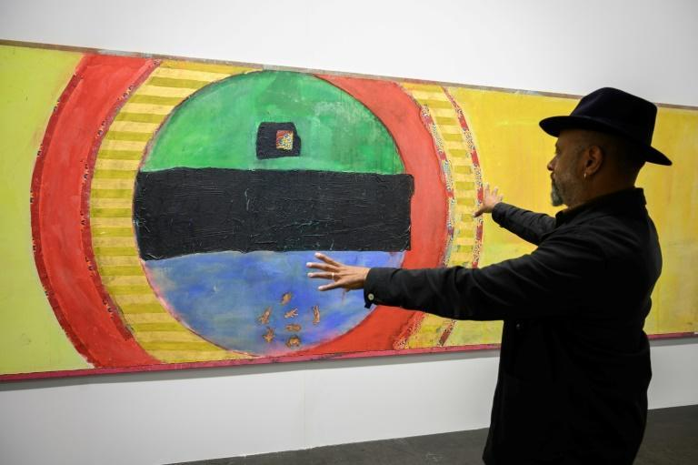 Among the 2021 highlights are this canvas by the Guyanese-British artist Frank Bowling (AFP/Fabrice COFFRINI)