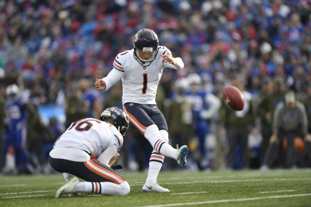 Chicago Bears kicker Cody Parkey (1) kept hitting uprights in Sunday's game. (AP)