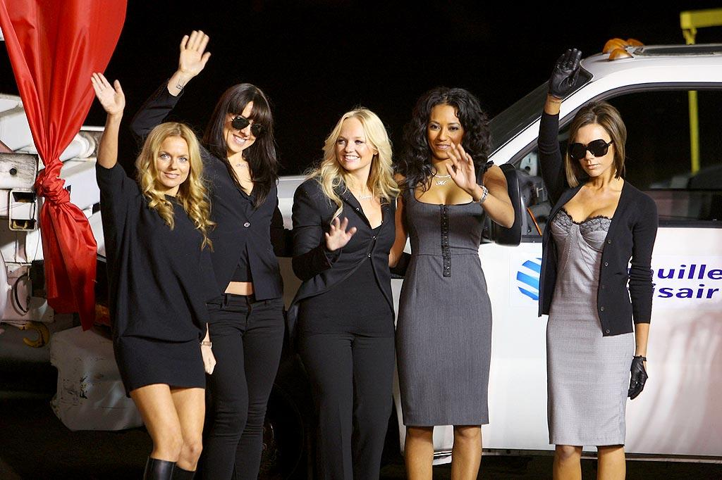 """The fabulous fivesome bids their adoring fans adieu before jetting off in style. The pop tarts are scheduled to perform 17 spectacular shows at London's O2 Arena in the upcoming weeks. John Shearer/<a href=""""http://www.wireimage.com"""" target=""""new"""">WireImage.com</a> - December 12, 2007"""