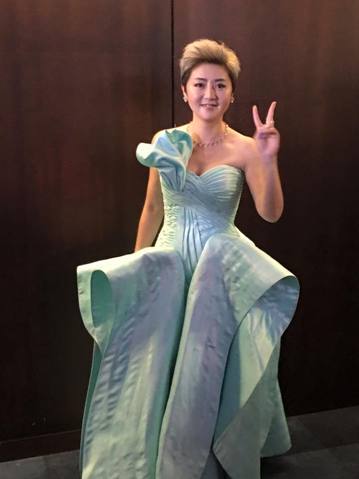 Quan Yi Fong at Star Awards 2017 (Photo: Channel 8's Facebook page)