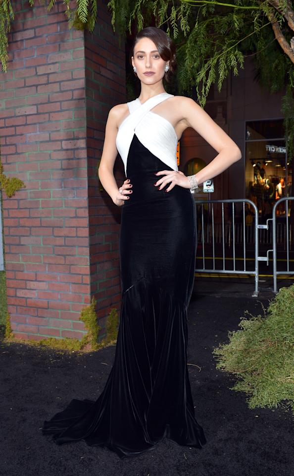 """HOLLYWOOD, CA - FEBRUARY 06:  Actress Emmy Rossum attends the Los Angeles premiere of Warner Bros. Pictures' """"Beautiful Creatures"""" at TCL Chinese Theatre on February 6, 2013 in Hollywood, California.  (Photo by Alberto E. Rodriguez/Getty Images)"""