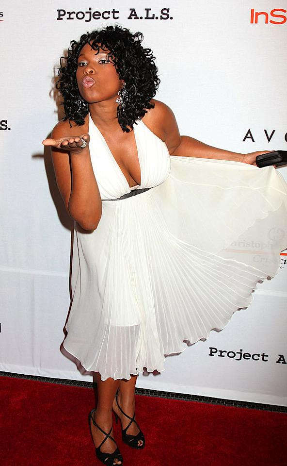 "Oscar winner Jennifer Hudson channels Marilyn Monroe on the red carpet. Janet Mayer/<a href=""http://www.splashnewsonline.com"" target=""new"">Splash News</a> - October 16, 2007"