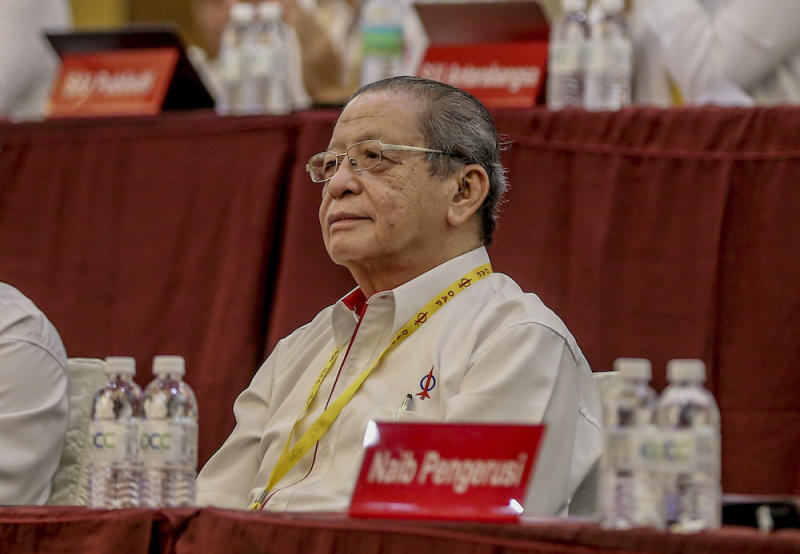 Lim Kit Siang attends the 2019 DAP National Conference in Shah Alam May 5, 2019. — Picture by Firdaus Latif