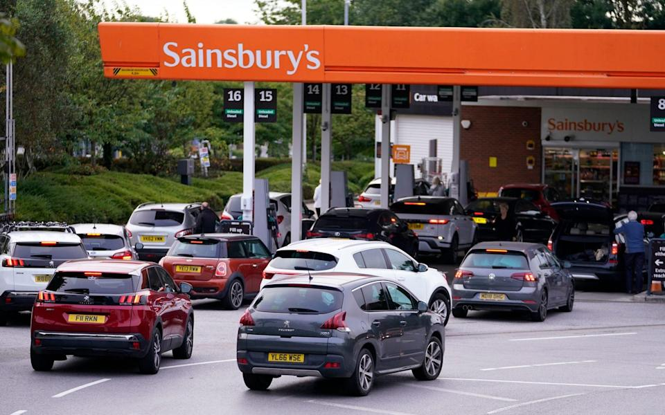 Queues at a Sainsbury's Petrol Station in Colton, Leeds - Danny Lawson/PA Wire