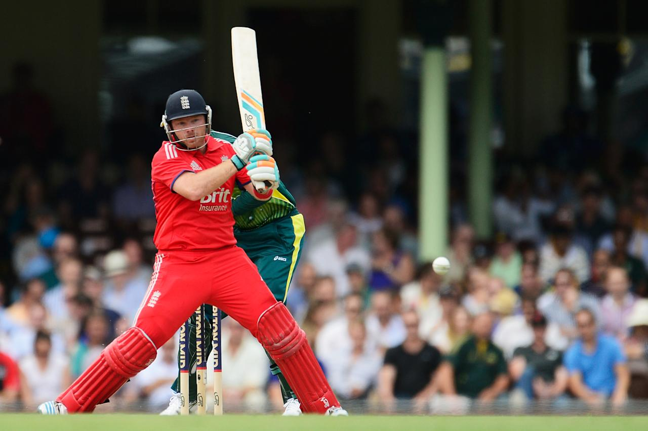 SYDNEY, AUSTRALIA - JANUARY 19: Ian Bell of England batts during game three of the One Day International Series between Australia and England at Sydney Cricket Ground on January 19, 2014 in Sydney, Australia.  (Photo by Brett Hemmings/Getty Images)