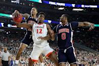 De'Andre Hunter #12 of the Virginia Cavaliers battles for the ball with J'Von McCormick #12 and Horace Spencer #0 of the Auburn Tigers in the second half during the 2019 NCAA Final Four semifinal at U.S. Bank Stadium on April 6, 2019 in Minneapolis, Minnesota. (Photo by Streeter Lecka/Getty Images)