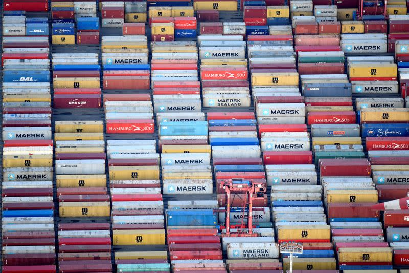 German exports to remain subdued in coming months - Finance Ministry