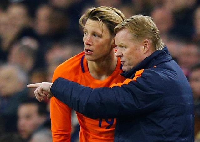 Soccer Football - International Friendly - Netherlands vs England - Johan Cruijff Arena, Amsterdam, Netherlands - March 23, 2018 Netherlands' Wout Weghorst and Netherlands coach Ronald Koeman REUTERS/Michael Kooren