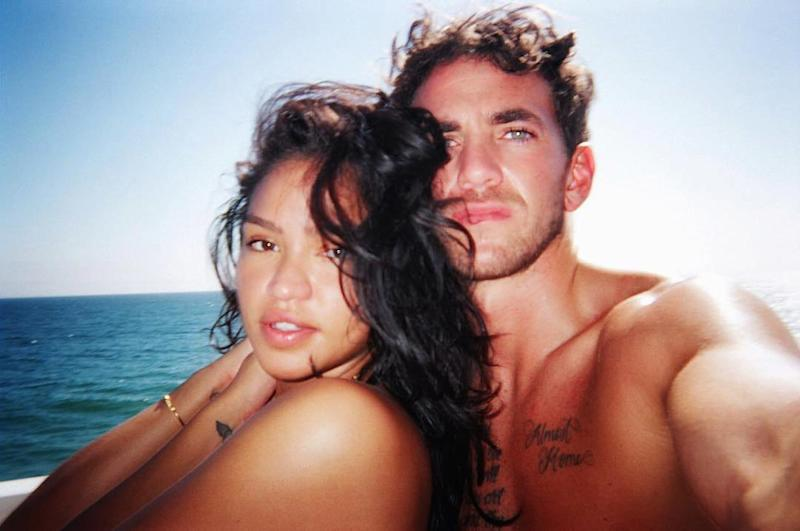 Cassie Is Pregnant & Expecting First Child with Boyfriend Alex Fine 8 Months After Split with Diddy