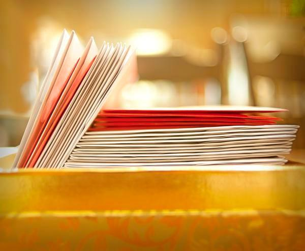 Holiday cards without glitter, plastic, or metallic accents can be recycled.
