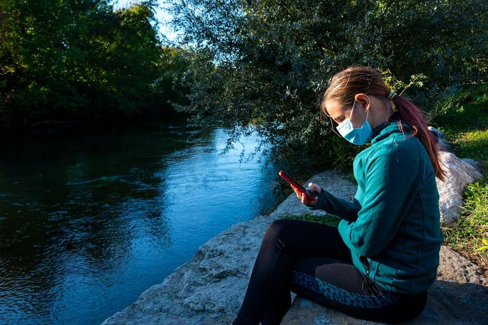 """<span class=""""attribution""""><a class=""""link rapid-noclick-resp"""" href=""""https://www.shutterstock.com/image-photo/young-woman-alone-sitting-besides-river-1834505998"""" rel=""""nofollow noopener"""" target=""""_blank"""" data-ylk=""""slk:Shutterstock"""">Shutterstock</a></span>"""