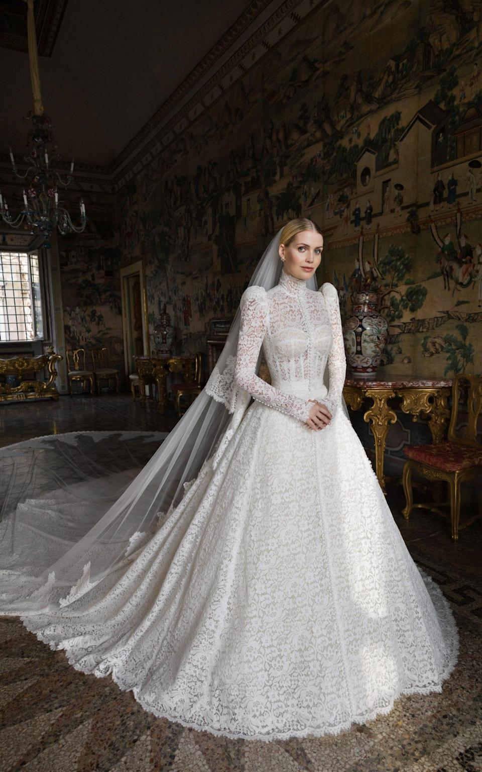Lady Kitty Spencer's wedding gown - Dolce and Gabbana